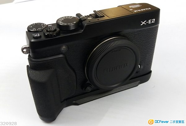 九成新 90 to 95% new Fuji Fujifilm X-E2 XE2 X E2 原裝 HAND GRIP MHG-XE