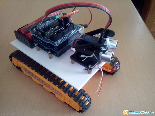 寻线感应器3个, 红外线接收器一块, 红外线遥控器一个, 蓝芽接收器